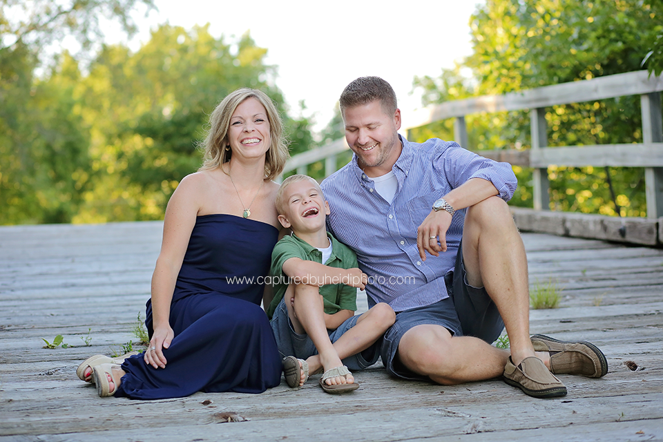 3-central-iowa-family-photographer-huxley-ames-ankeney-waukee-captured-by-heidi-fuhrman-family-pictures.png