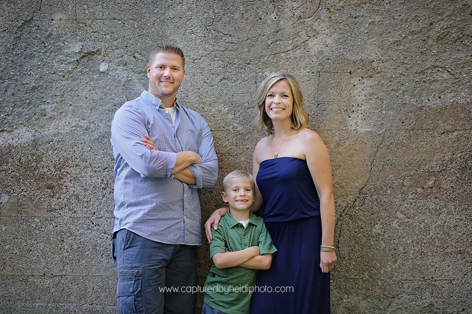6-central-iowa-family-photographer-huxley-ames-ankeney-waukee-captured-by-heidi-fuhrman-family-pictures.png