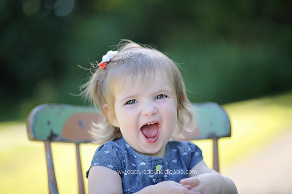 8-central-iowa-children-photographer-huxley-ames-ankeny-desmoines-18-month-girl-pictures.png