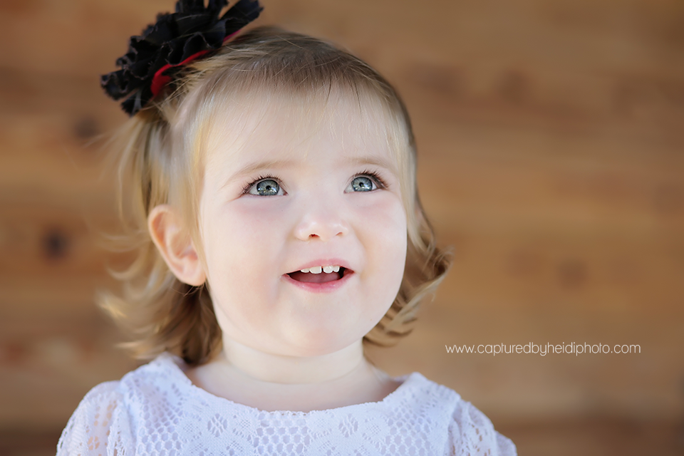 11-central-iowa-children-photographer-huxley-ames-ankeny-desmoines-18-month-girl-pictures.png