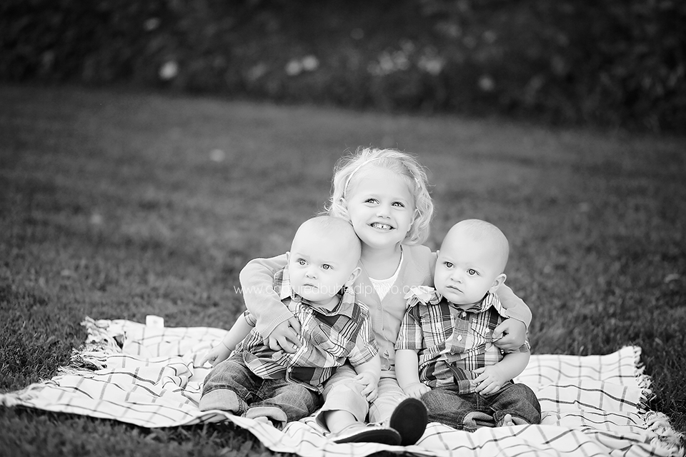 8-central-iowa-family-photographer-capturedbyheidi-huxley-ames-story-city-steines-family.png