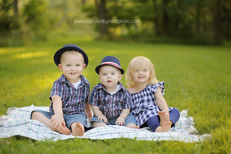 4-central-iowa-baby-photographer-huxley-desmoines-long-family-capturedbyheidi.png