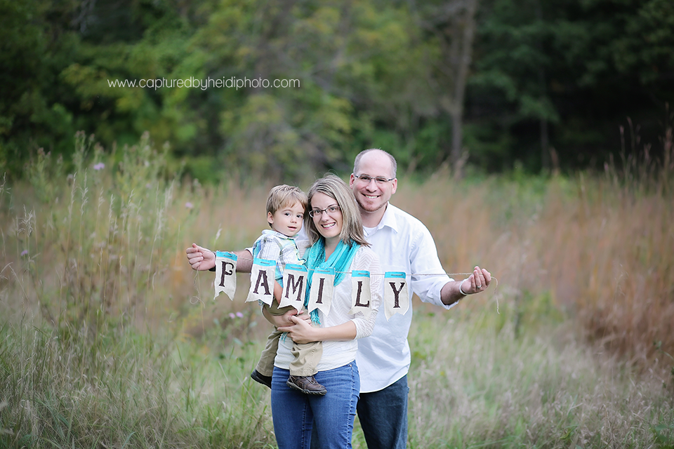 1-central-iowa-family-photographer-huxley-desmoines-ankeny-mcdermott-family-pictures.png