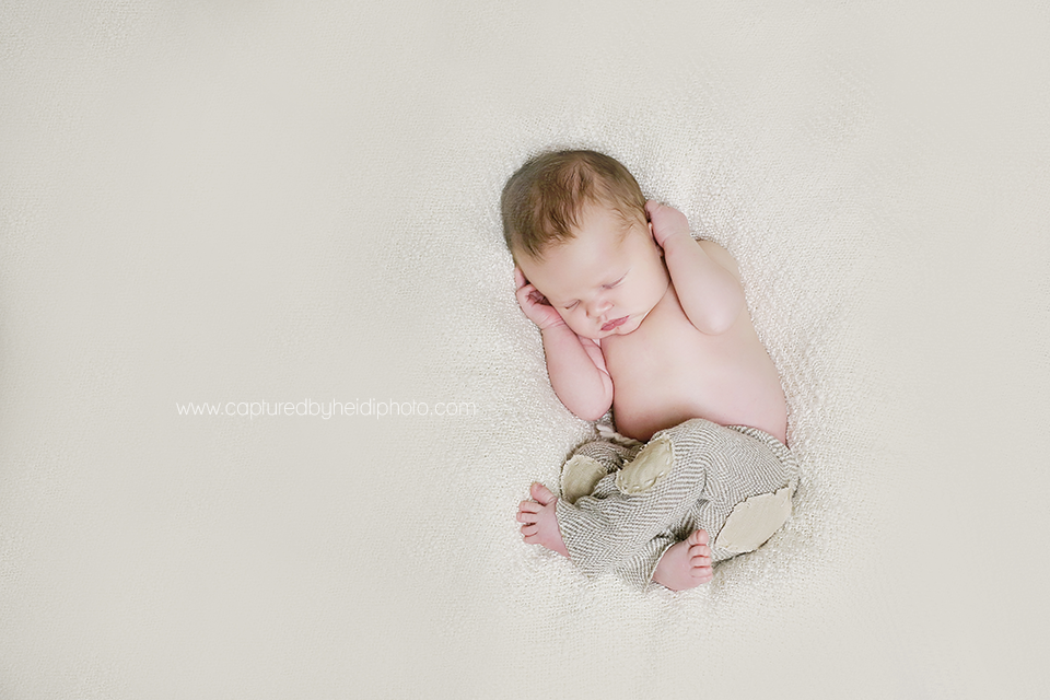 4-chyma-central-iowa-newborn-photographer-huxley-ames-newborn-baby-boy-pictures.png