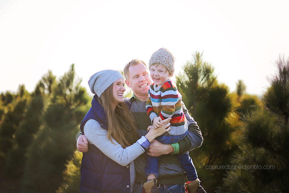 10-central-iowa-family-photographer-huxley-iowa-captured-by-heidi-merry-christmas-pictures.png