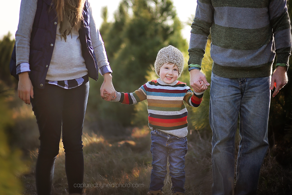12-central-iowa-family-photographer-huxley-iowa-captured-by-heidi-merry-christmas-pictures.png