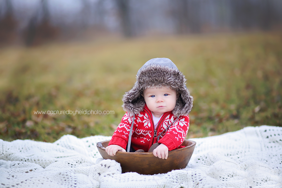 5-central-iowa-baby-photographer-captured-by-heidi-huxley-ames-six-month-boy-pictures.png