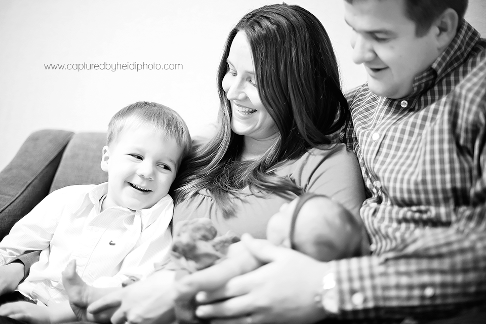 3-central-iowa-newborn-photographer-huxley-desmoines-urbandale-ankeny-capturedbyheidi-koopman.png