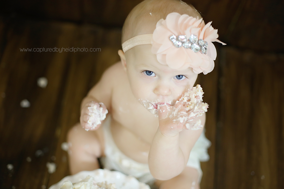 2-central-iowa-cake-smash-baby-photographer-one-year-old-birthday-party-coral-mint-gold-huxley-desmoines-ankeny.png