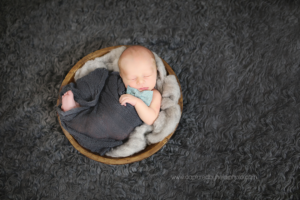 4-central-iowa-newborn-photographer-huxley-ames-desmoines-newborn-boy-pictures.png