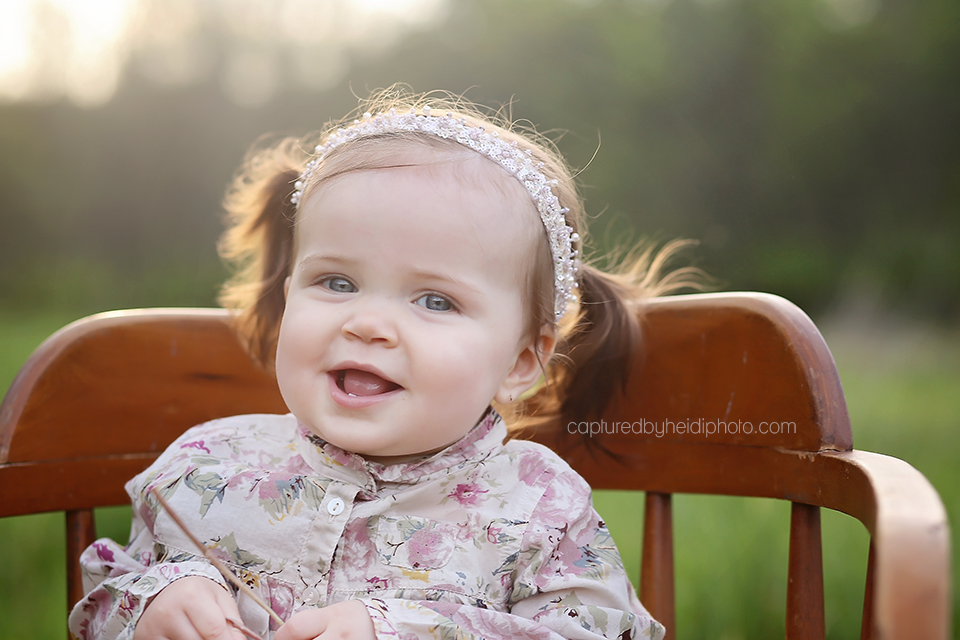1-central-iowa-baby-photographer-huxley-desmoines-indianola-calhoun-one-year-pictures.png