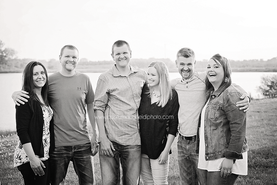 5-central-iowa-family-photographer-huxley-desmoines-rockwell-city-carlson-family.png