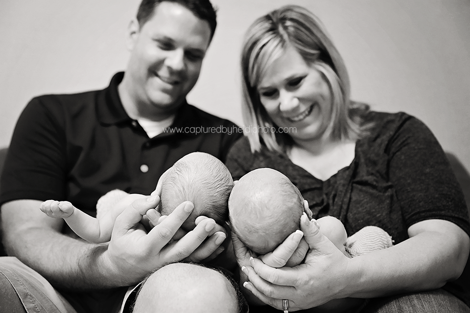 8-central-iowa-newborn-photographer-newborn-twins-newborn-boys-kohagen.png