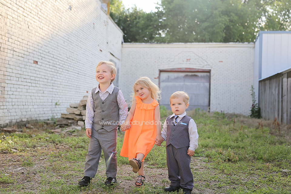 1-central-iowa-family-photographer-huxley-desmoines-long-family.png