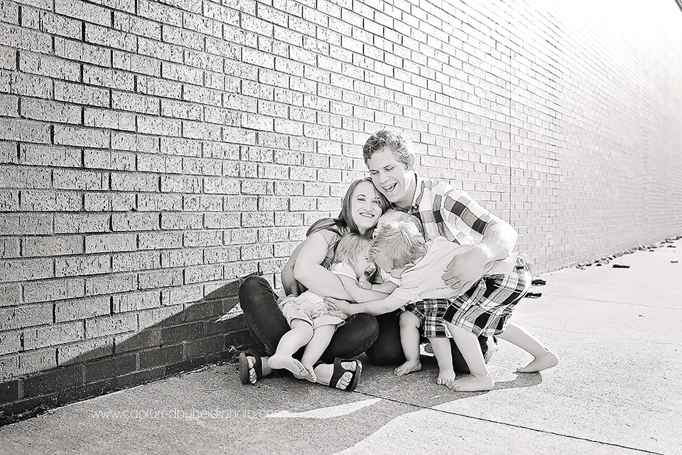 0-central-iowa-family-photographer-huxley-desmoines-long-family.png