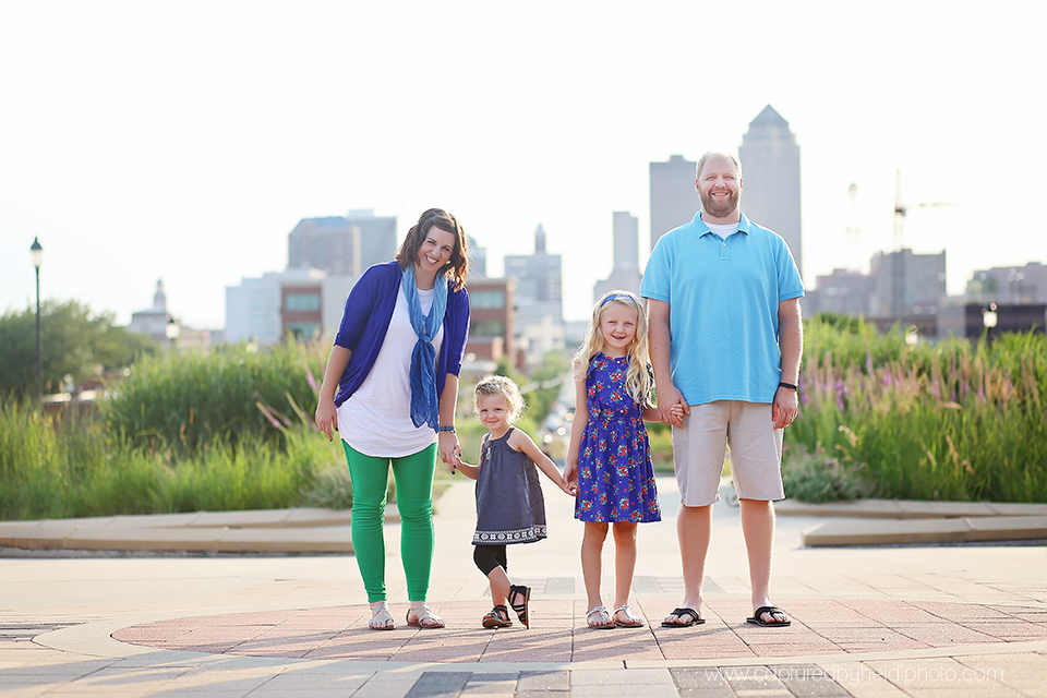 9-central-iowa-family-photographer-huxley-ankeny-polk-city-downtown-desmoines-pictures-dillinger.png