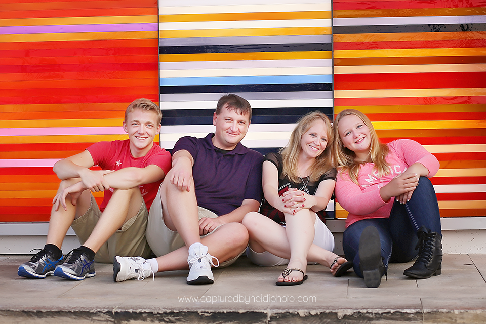 2-central-iowa-family-photographer-huxley-desmoines-stuart-downtown-desmoins-family-pictures-crawford.png