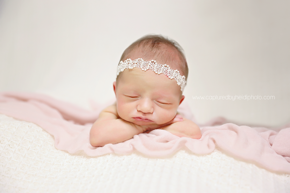5-central-iowa-newborn-photographer-huxley-desmoines-johnston-rueschhoff.png