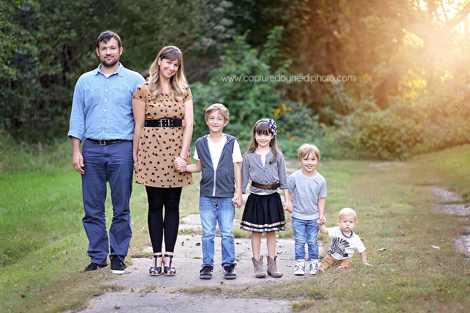 1-central-iowa-family-photographer-huxley-desmoines-lorentzen.png