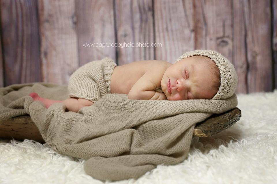 2-central-iowa-newborn-photographer-huxley-ankeny-desmoines-johnston-trobaugh.png
