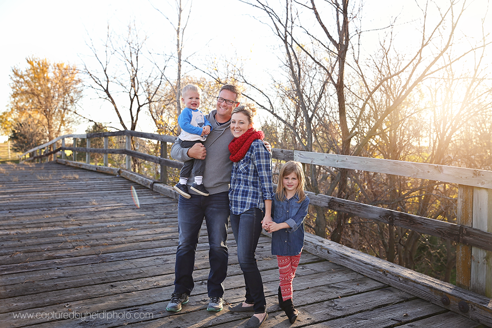 1-central-iowa-family-photographer-huxley-polk-city-johnston-desmoines-nikki-paradise-williams.png