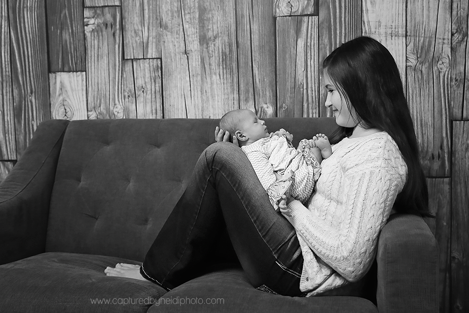 3-central-iowa-newborn-photographer-cbh-photography-huxley-desmoines-ames-doyle.png