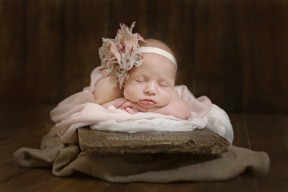 4-central-iowa-newborn-photographer-cbh-photography-huxley-desmoines-ames-doyle.png