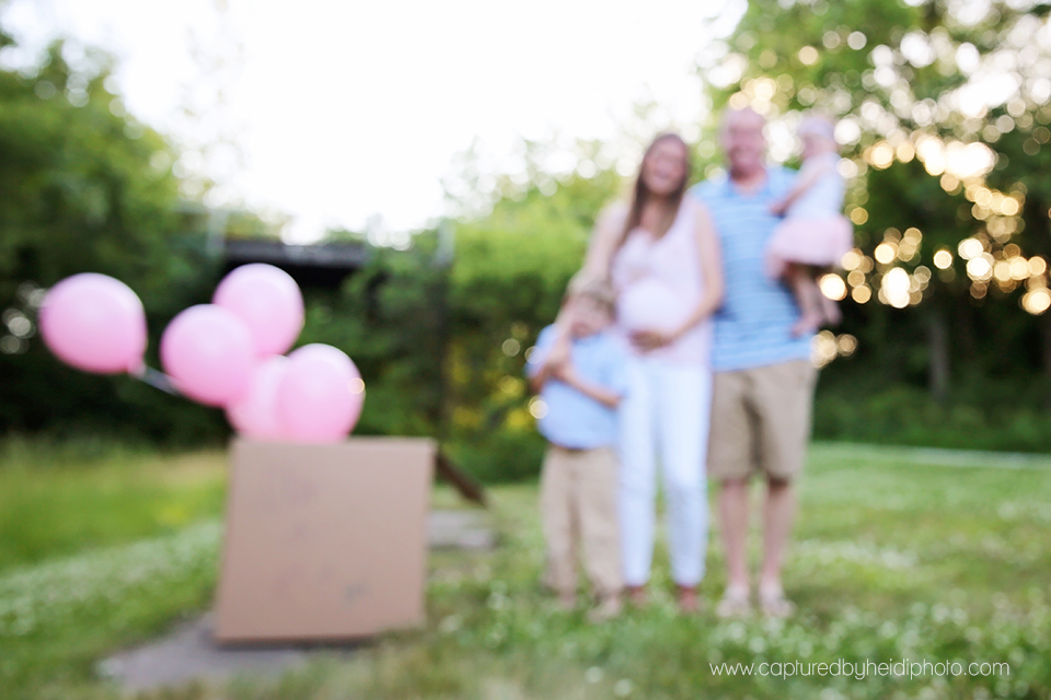 7-central-iowa-baby-children-family-photographer-cbh-photography-captured-by-heidi-gender-reveal-pink-balloons-brother-sister-plain-cardboard-box-sunset-pink-blue-rusty-heidi-hicks.png
