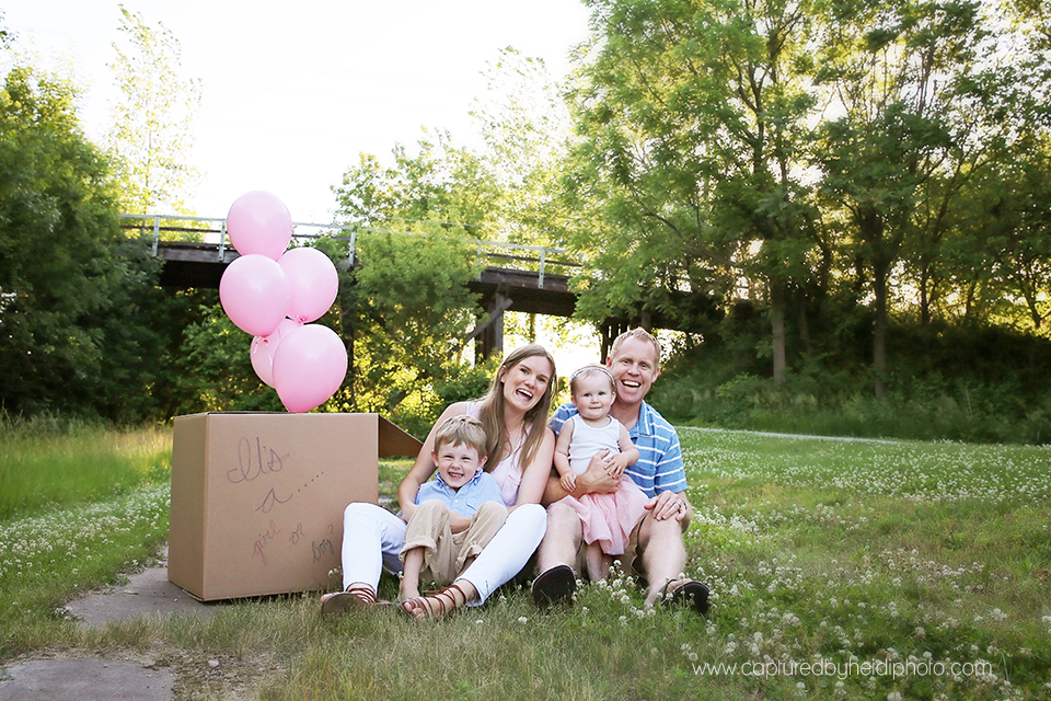 6-central-iowa-baby-children-family-photographer-cbh-photography-captured-by-heidi-gender-reveal-pink-balloons-brother-sister-plain-cardboard-box-sunset-pink-blue-rusty-heidi-hicks.png