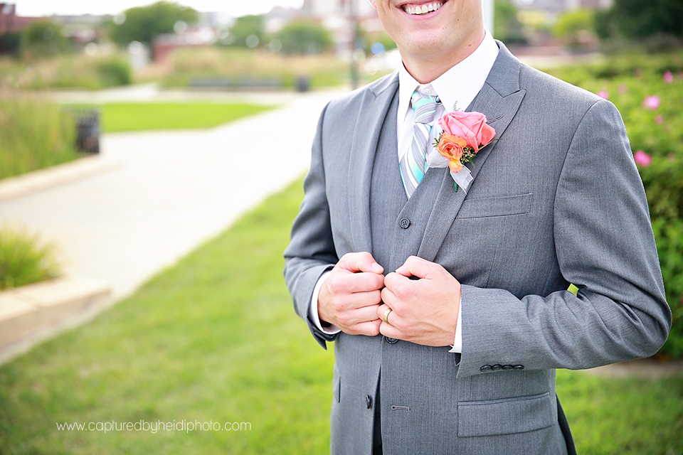 7-central-iowa-wedding-photographer-huxley-ankeny-desmoines-crudele.png