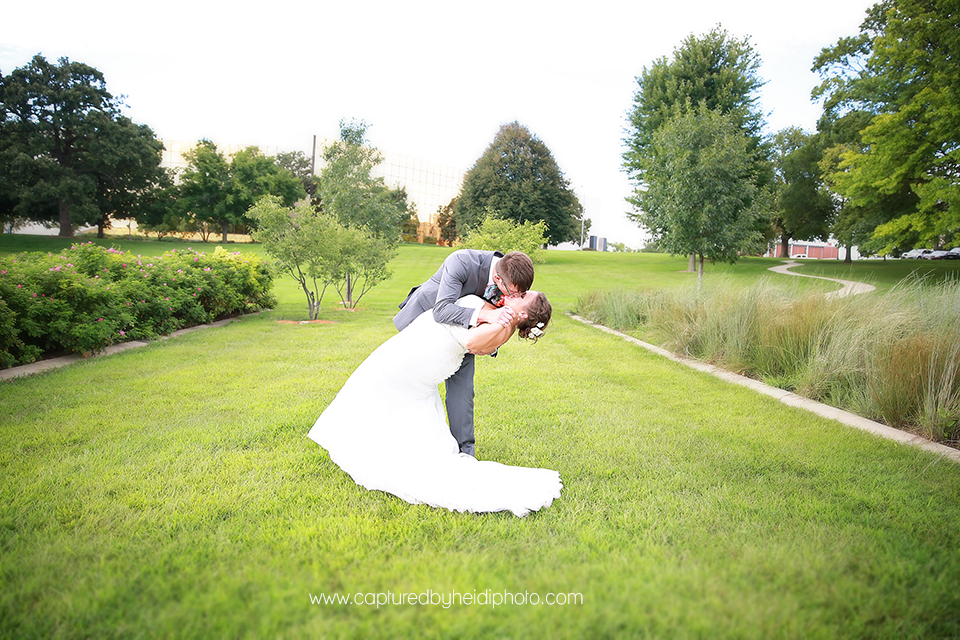 8-central-iowa-wedding-photographer-huxley-ankeny-desmoines-crudele.png