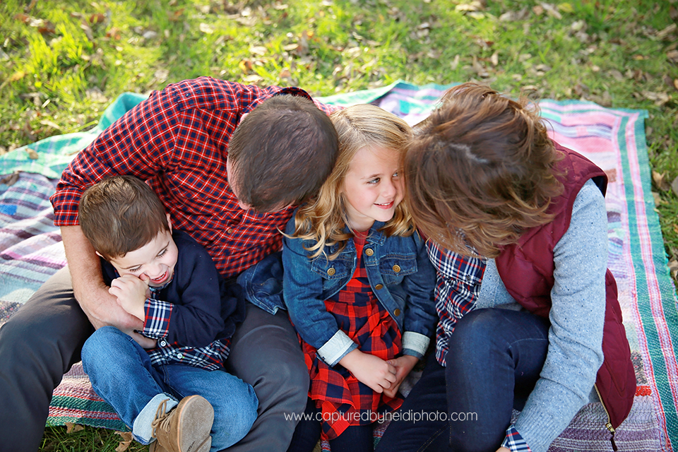 4-central-iowa-family-photographer-huxley-desmoines-erica-duke.png