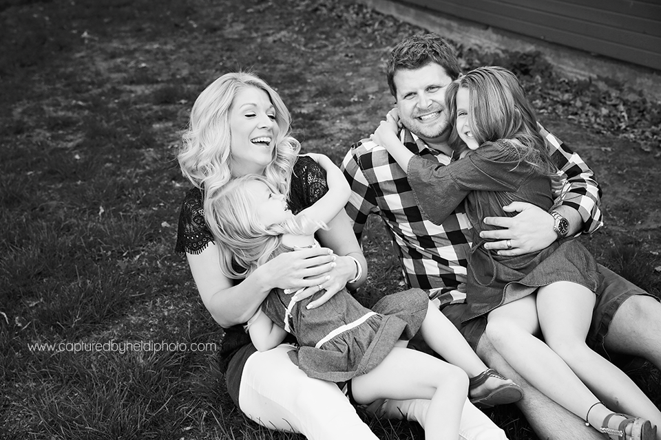 2-central-iowa-family-photographer-huxley-ames-moore-memorial-park-michelle-tom-doyle.png