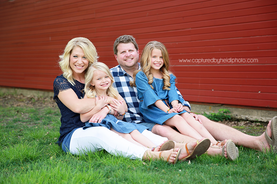 3-central-iowa-family-photographer-huxley-ames-moore-memorial-park-michelle-tom-doyle.png