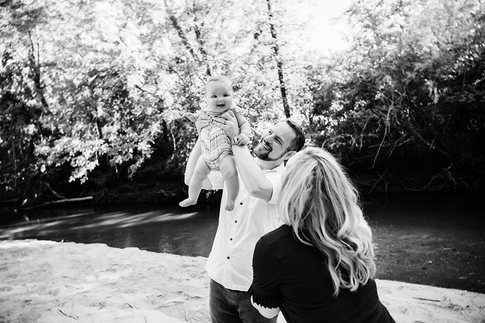 12 central iowa family baby photographer huxley ankeny desmoines weeping willow beach pictures captured by heidi hicks carly nelson.jpg