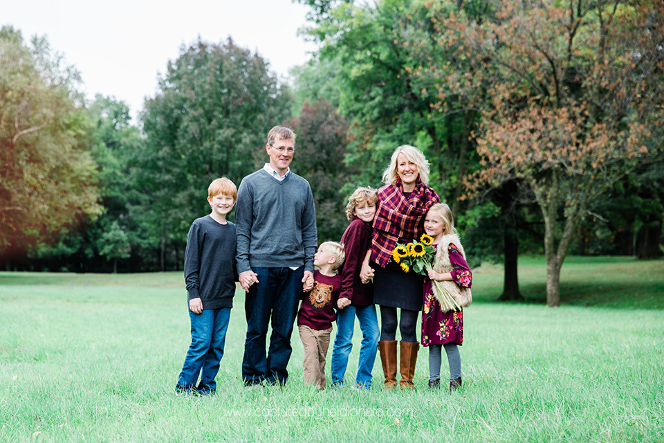 7 central iowa family photographer huxley ankeny captured by heidi hicks.jpg