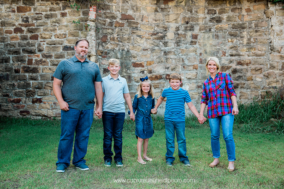 2 central iowa family photographer captured by heidi hicks.jpg