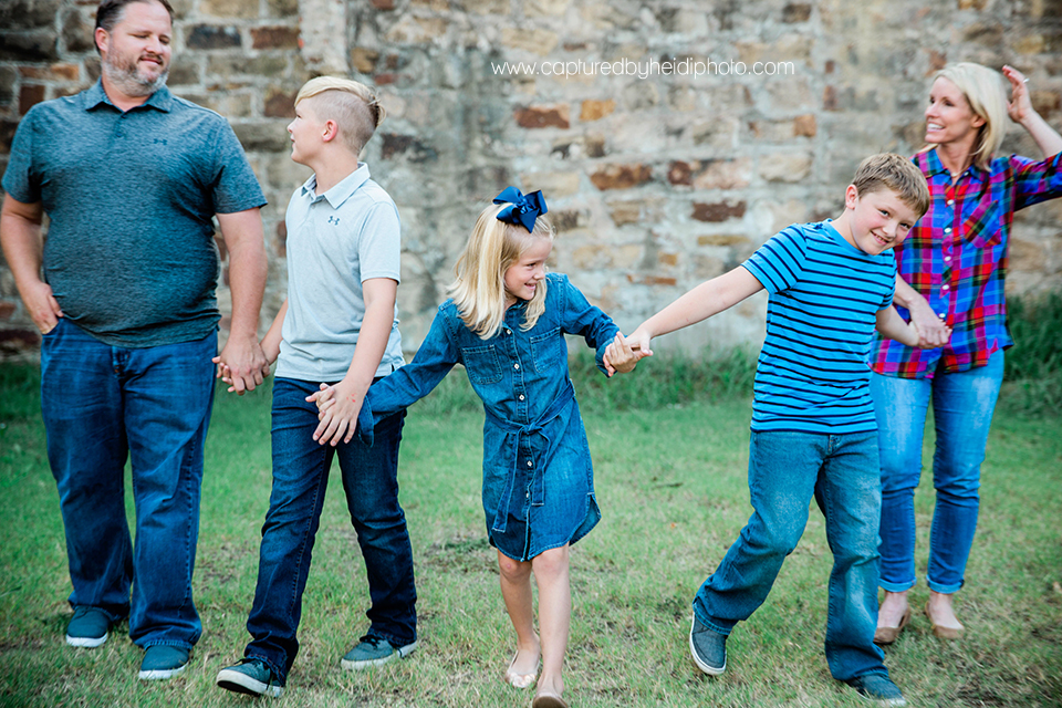 3 central iowa family photographer captured by heidi hicks.jpg