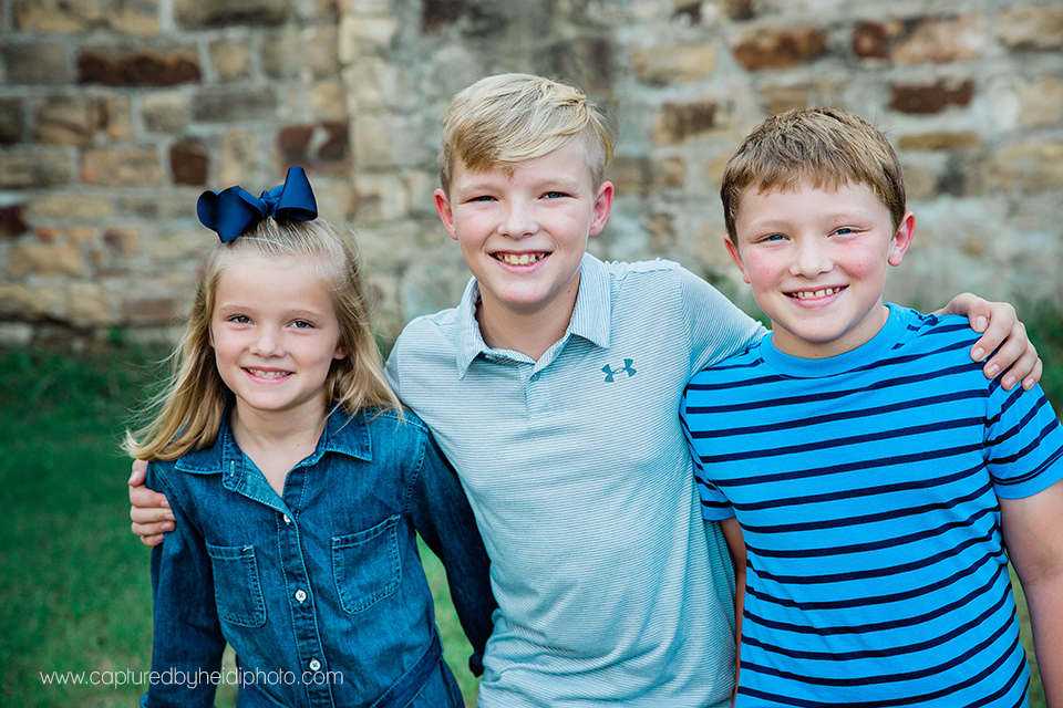 4 central iowa family photographer captured by heidi hicks.jpg