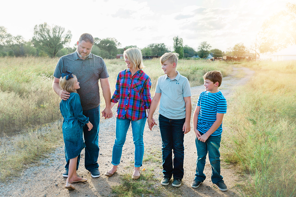 7 central iowa family photographer captured by heidi hicks.jpg