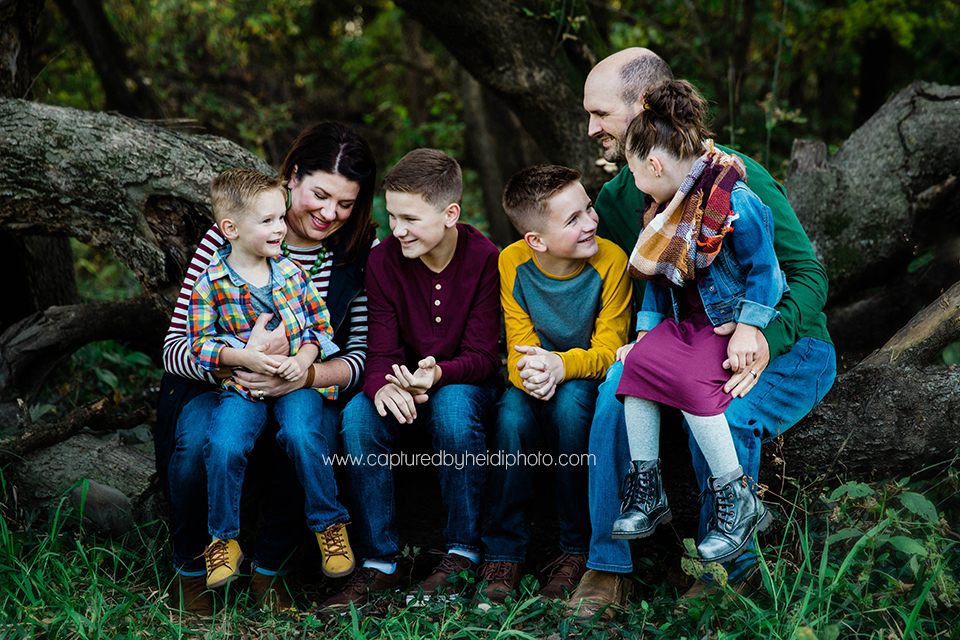 8 central iowa family photographer captured by heidi hicks huxley ankeny desmoines ames noelle mann.jpg