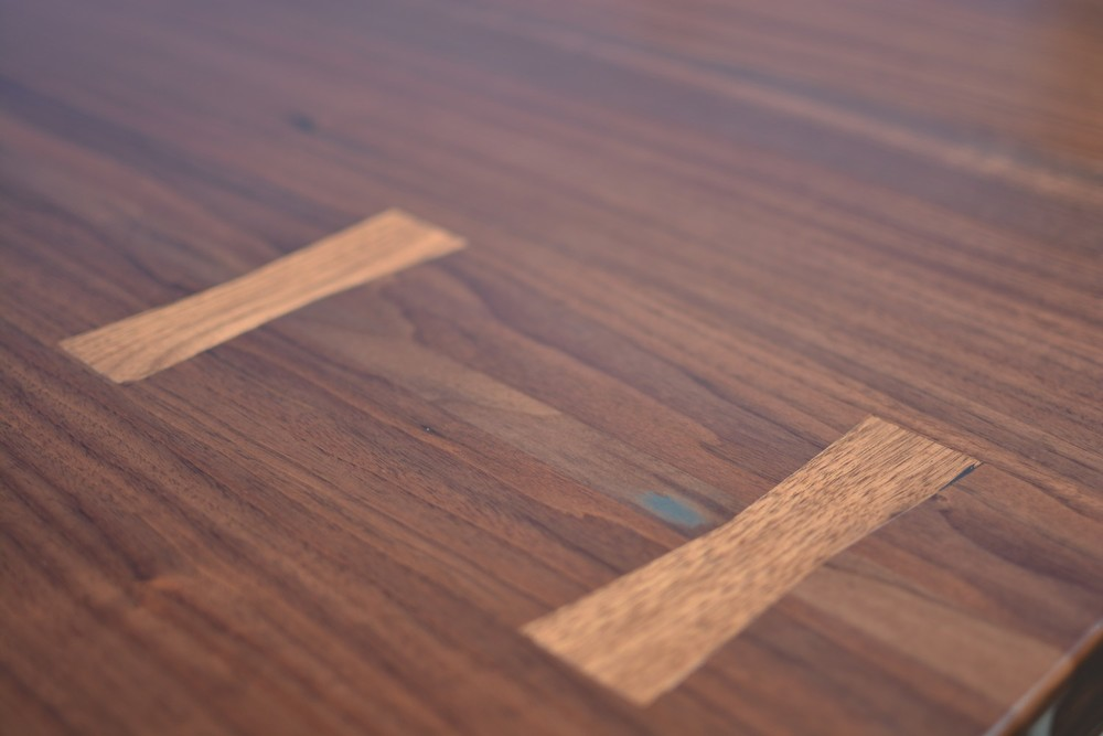 Etz & Steel Viceroy Live Edge Table Close Up 3.jpg