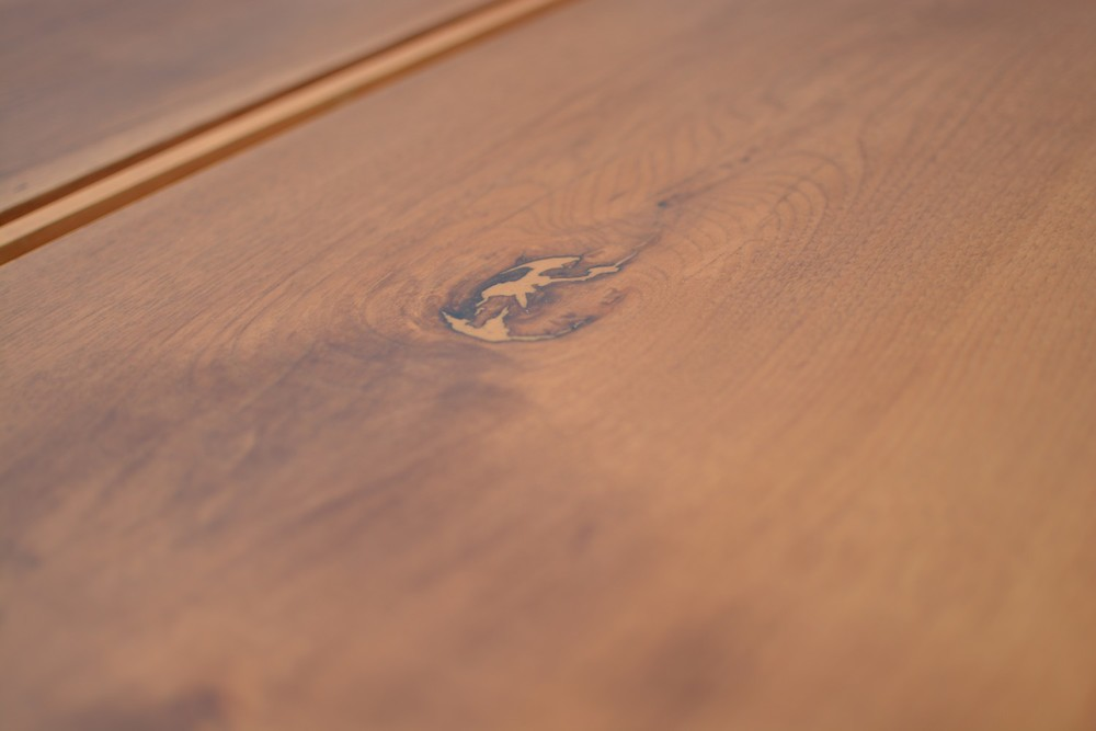 Etz & Steel Gatsby Live Edge Table Close Up 9.jpg