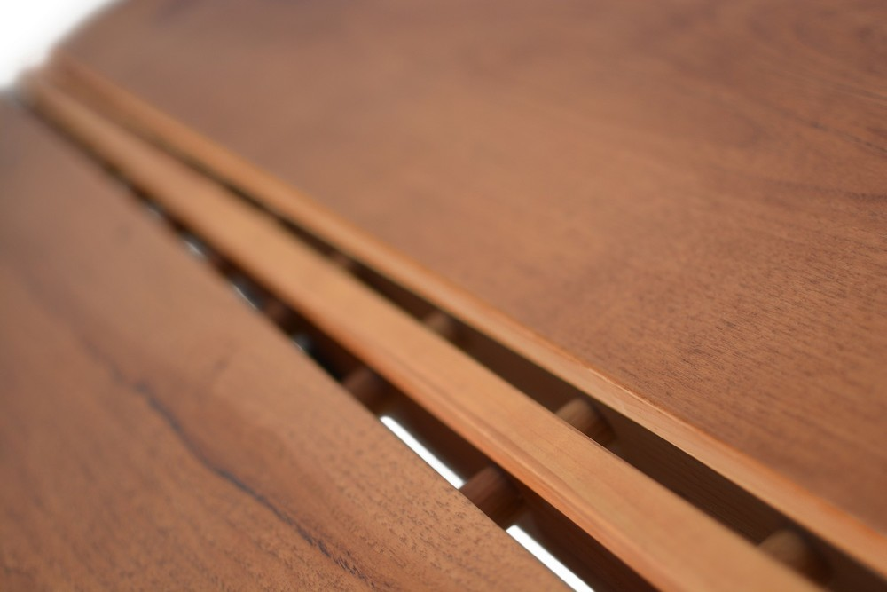 Etz & Steel Gatsby Live Edge Table Close Up 15.jpg