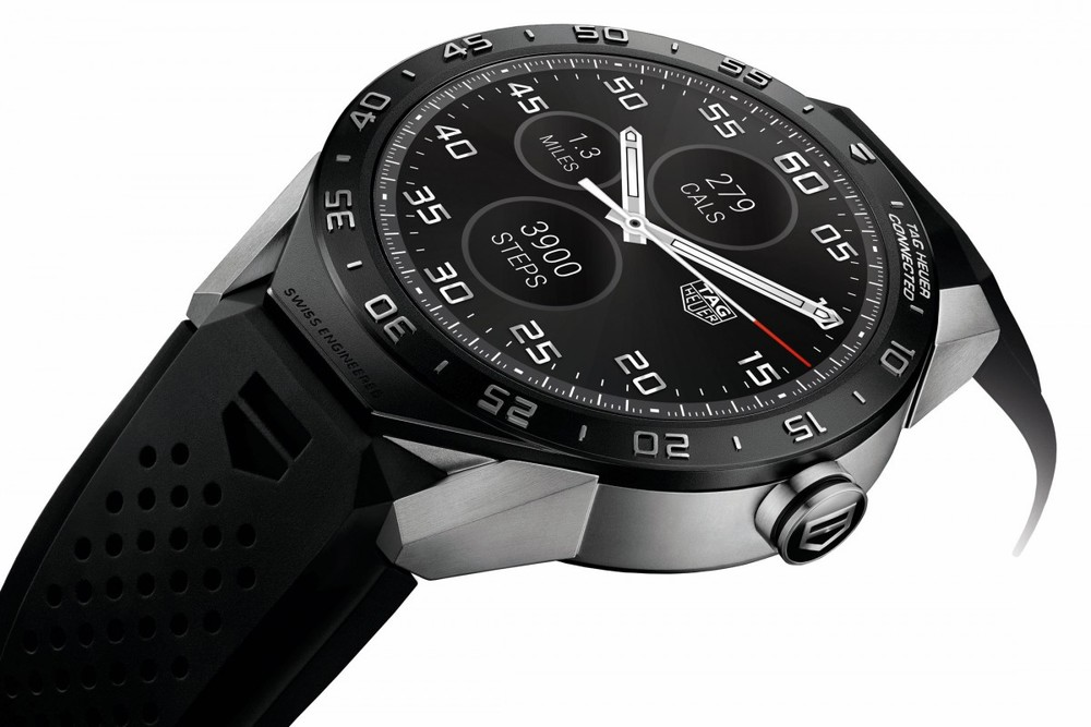 The chassis of the watch is made of titanium