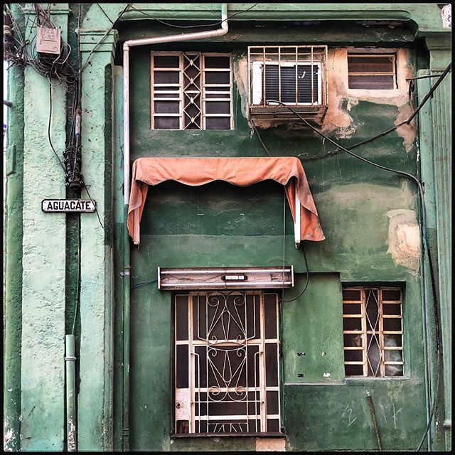 Walking in Havana  #havana #style #beauty #cuba #design #color #interiordesign #travel #walk