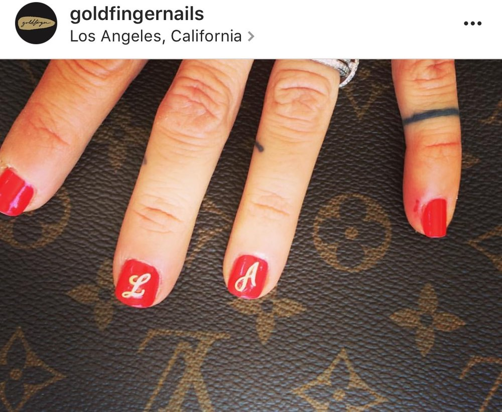 @goldfingernails