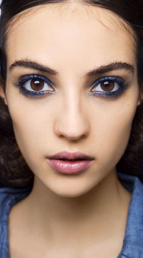 d7001b35a0daf3d3ab9080fb7ac6ef45--eyeliner-looks-blue-eyeliner.jpg