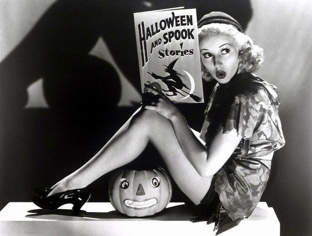 vintage-halloween-pinup-betty-grable.jpg