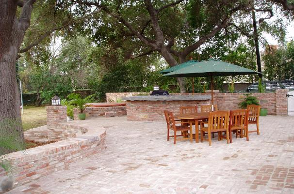 Reclaimed Brick Patio - Lihini Residence